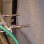 Detail der pneumatischen Reinigungs - Vorrichtung mit  zwei Spezialdüsen
